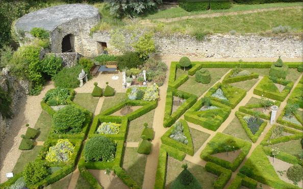 Jardin du moyen ge visiter le mans sarthe pays de la for Jardins de france a visiter